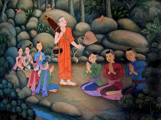 monjes-budistas-rezando